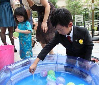 スイカ割りにかき氷に水ヨーヨー♪~夏祭りのような結婚式~