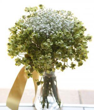 花言葉は「感謝」「切なる喜び」「清い心」~カスミソウのブーケ~