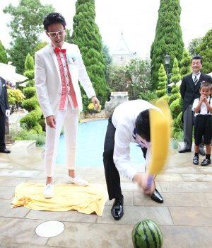 夏ならば…結婚式でスイカ割りしちゃってもいいんです!