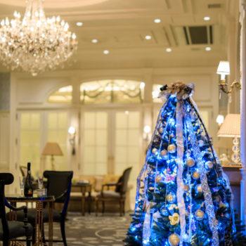 華やかなロイヤルブルーのXmasツリー