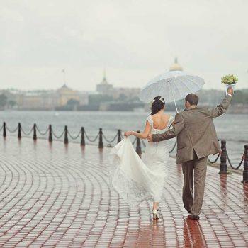 【朗報】当日が雨の花嫁はラッキーです